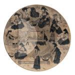 """Simeone Lai (su disegno di Salvatore Fancello), Il ciclo della lana (seconda metà anni Trenta), terracotta da stampo incisa e patinata """"a freddo"""" con vernici sintetiche e china, Ø 53,5 cm."""